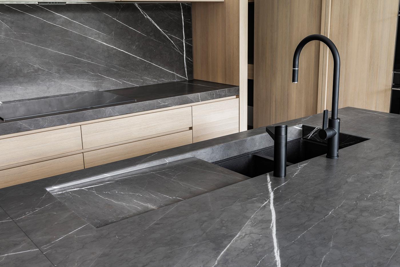 Keukens-stroo-berlare-keramische-werkbladen